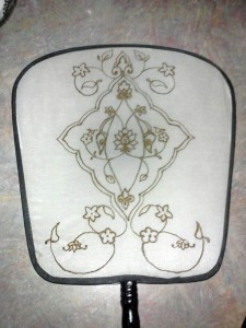 henna-silk-fan