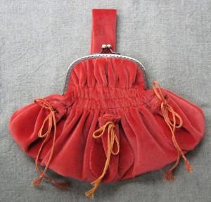 velvet-purse-6x6